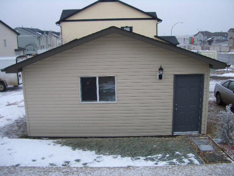 Toy box garage calgary for 20x20 garage
